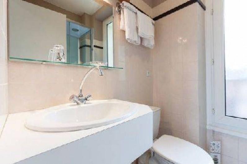Location de vacances - Appartement à Saint-Malo - la salle d'eau