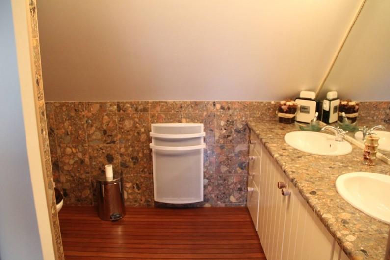 Location de vacances - Appartement à Barfleur - Salle de bain, douche et WC de la chambre principale
