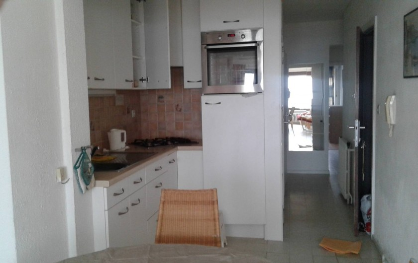 Location de vacances - Appartement à Koksijde - couloir d'accès vu du living