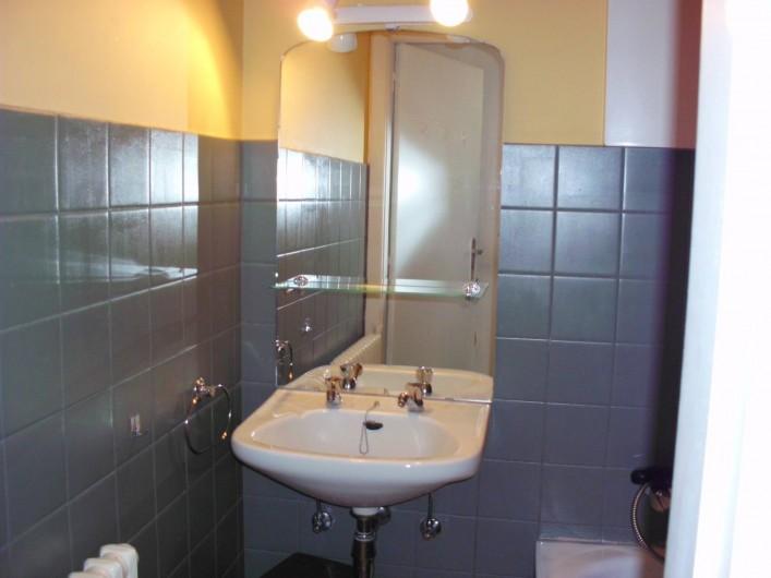 Location de vacances - Appartement à Koksijde - salle de bain avec bagnoire