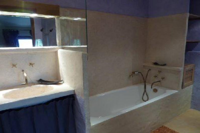Location de vacances - Gîte à Ribiers - Salle de bain Lavande