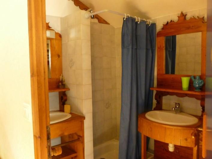 Location de vacances - Gîte à Saint-Agnan-en-Vercors - une des 4 salles de bain