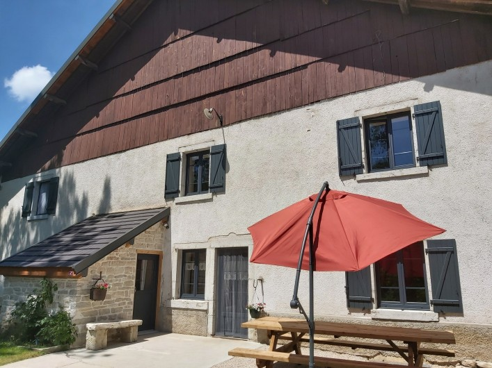 Location de vacances - Gîte à Laviron - Entrée Terrasse