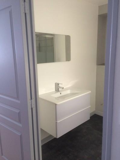 Location de vacances - Appartement à Saint-Pair-sur-Mer - Salle de bain avec douche 120/80