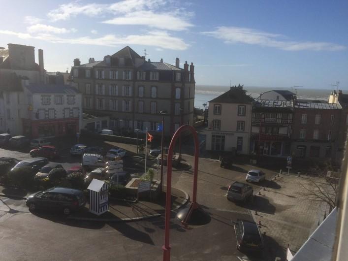 Location de vacances - Appartement à Saint-Pair-sur-Mer - Place de Saint-Pair au bord de mer