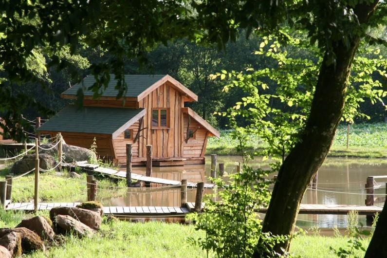 Location de vacances - Insolite à La Chapelle-aux-Bois - Cabane flottante