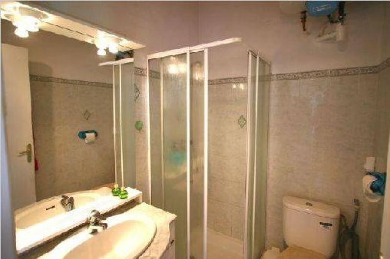 Location de vacances - Villa à Cargèse - salle de bains
