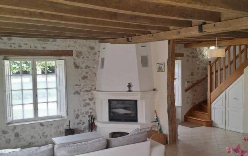 Location de vacances - Gîte à Villandry - Le salon et sa cheminée