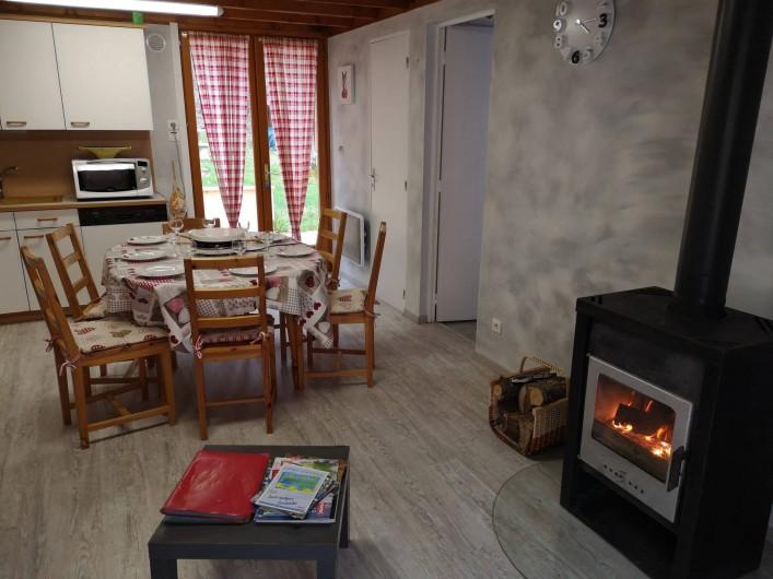 Location de vacances - Chalet à Saint-Gérons - Séjour avec coin cuisine