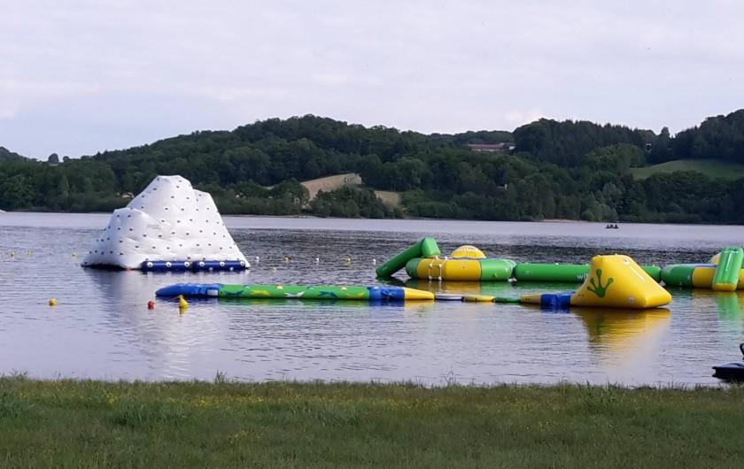 Location de vacances - Chalet à Saint-Gérons - Jeux aquatiques à proximité du chalet