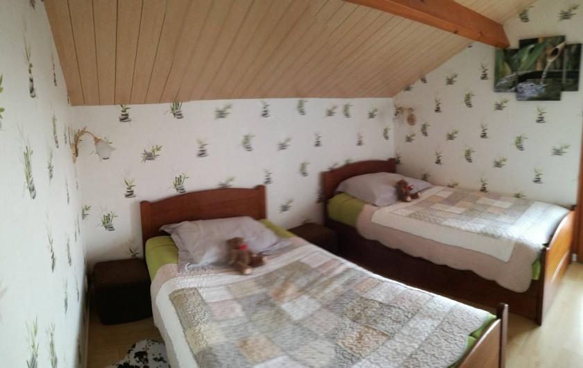 Location de vacances - Chalet à Saint-Gérons - Chambre à l'étage