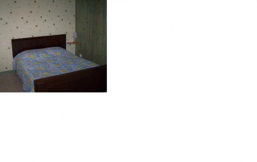 Location de vacances - Appartement à Saint-Martin-de-la-Brasque - chambre