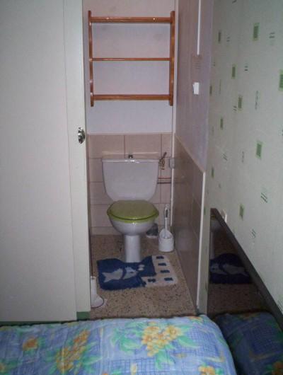 Location de vacances - Appartement à Saint-Martin-de-la-Brasque - WC séparé