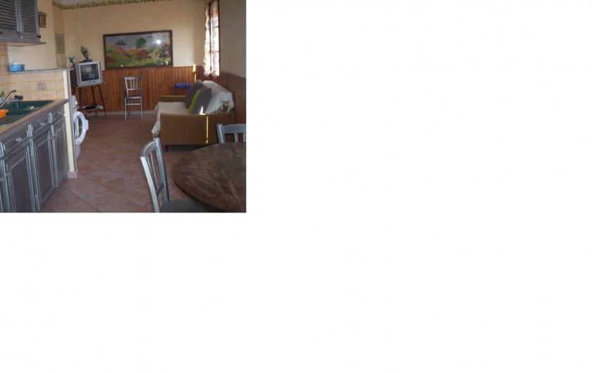 Location de vacances - Appartement à Saint-Martin-de-la-Brasque - coin sallon