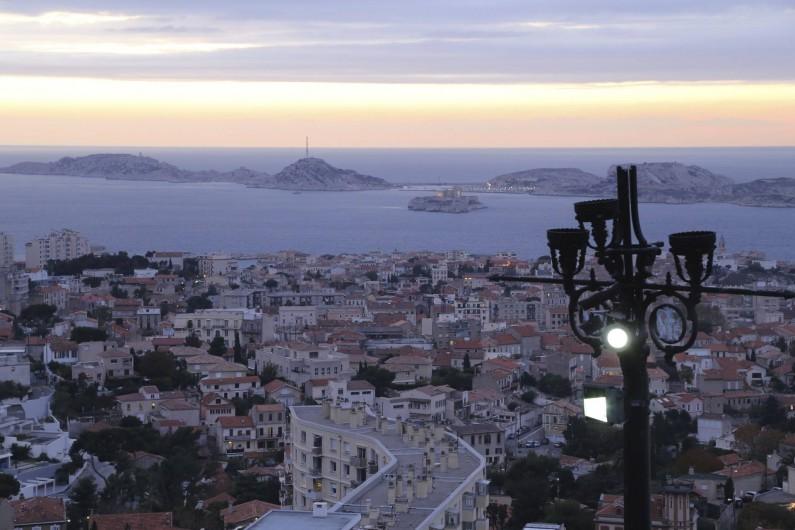Location de vacances - Villa à Aubagne - l'heure bleue à Marseille