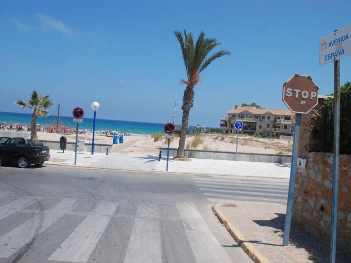 Location de vacances - Villa à La Zenia - plage de Zenia Beach au bout de l'allée avenida de Espana
