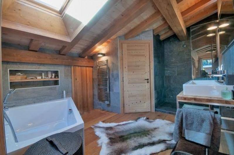 Location de vacances - Chalet à Megève - Master Bedroom bathroom