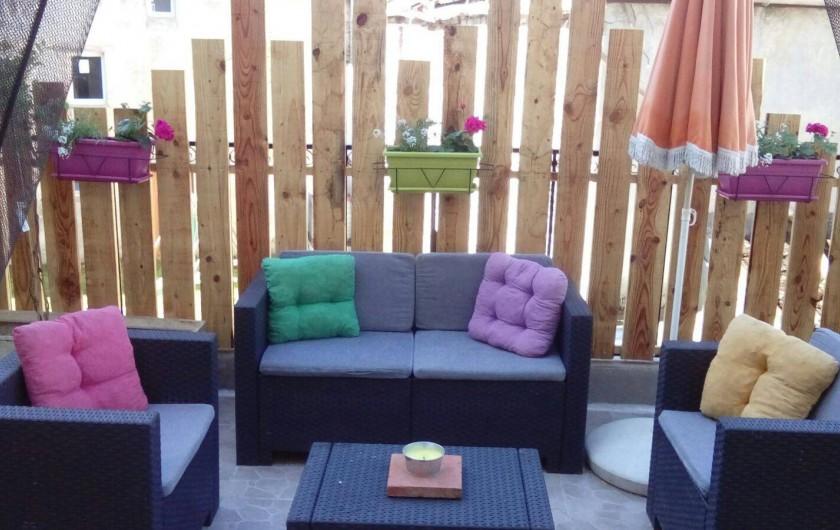 Location de vacances - Appartement à Laignes - Terrasse orientée Sud