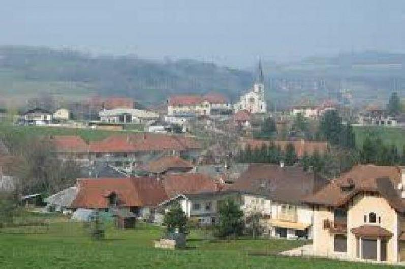 Location de vacances - Maison - Villa à Cusy - Photo du centre du village de Cusy, proche de tous les commerces