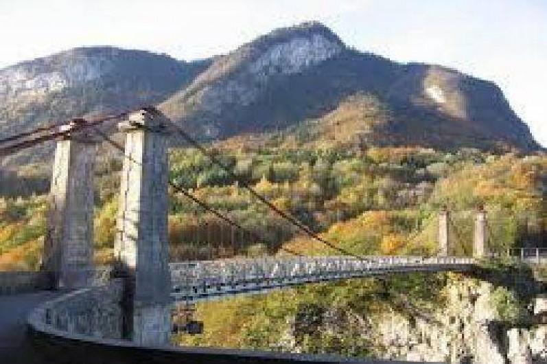 Location de vacances - Maison - Villa à Cusy - Site touristique : pont de l'abyme (à 1km)