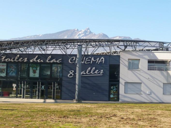 Location de vacances - Maison - Villa à Cusy - Cinémas Les toiles du lac à Aix-les-Bains (15 minutes)