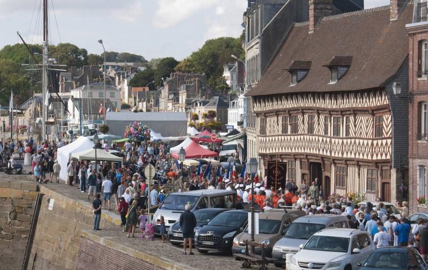 Location de vacances - Appartement à Saint-Valery-en-Caux - La fête de la mer au mois d'août.
