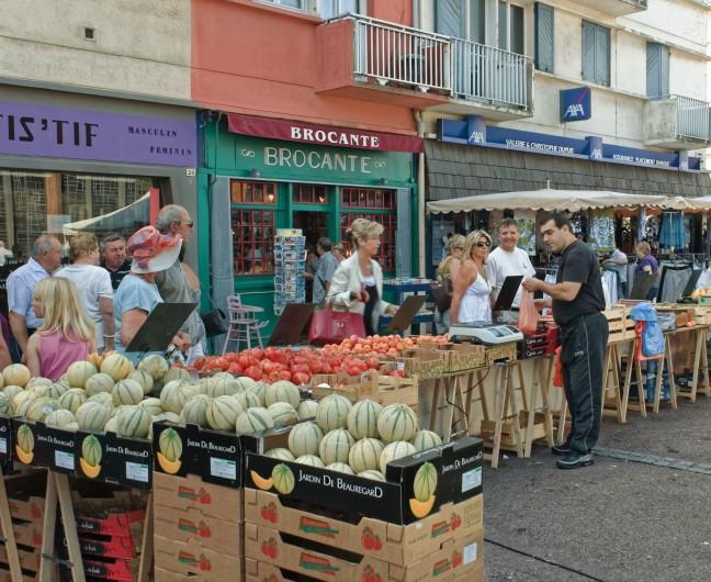 Location de vacances - Appartement à Saint-Valery-en-Caux - Jour de marché le vendredi et le dimanche à Saint valéry en  Caux