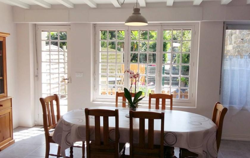 Location de vacances - Maison - Villa à Barfleur - Séjour avec accès terrasse