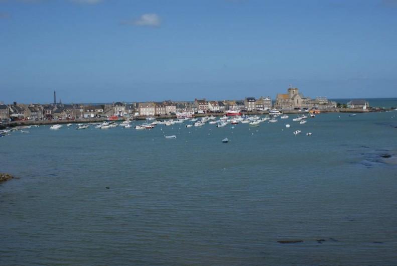 """Location de vacances - Maison - Villa à Barfleur - Le port de Barfleur, un des """"Plus beau village de France"""""""