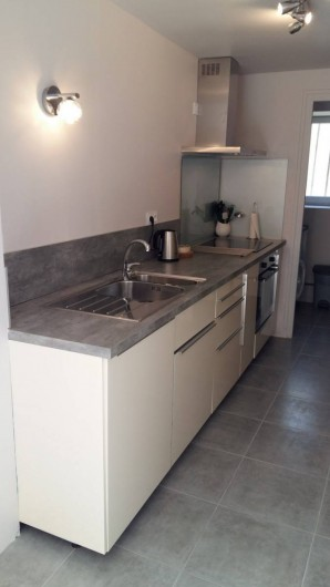 Location de vacances - Maison - Villa à Barfleur - Cuisine aménagée et équipée