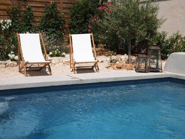 Location de vacances - Chambre d'hôtes à Saint-Saturnin-lès-Avignon - Piscine