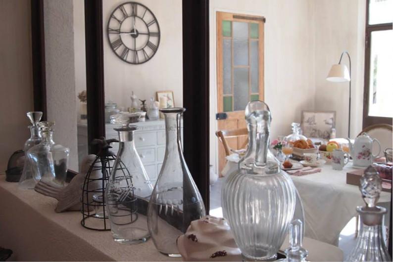 Location de vacances - Chambre d'hôtes à Saint-Saturnin-lès-Avignon - Salle repas petit-déjeuner