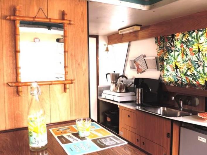 Location de vacances - Péniche à Mâcon - cuisine