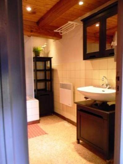 Location de vacances - Gîte à Prénovel - salle de bain