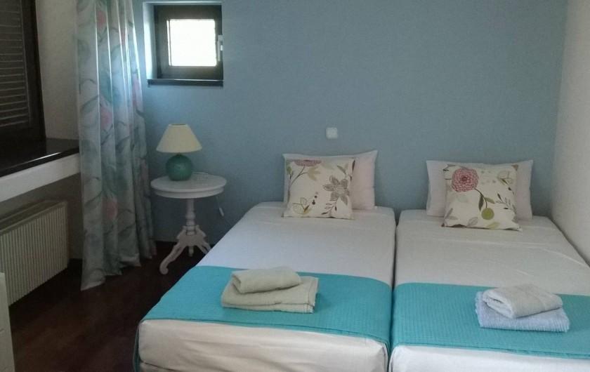 Location de vacances - Villa à Corfu - Bedroom A on 1st floor, door opens on private terrace with fantastic view.