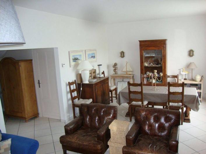 Location de vacances - Villa à Dinard - Coté salle à manger