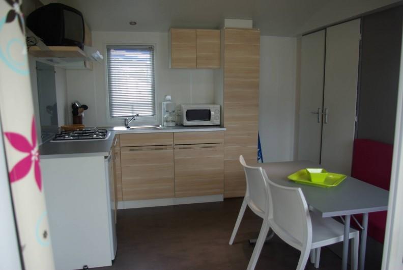 Location de vacances - Bungalow - Mobilhome à Cherrueix - location mobil home avec léléviseur Mont saint michel