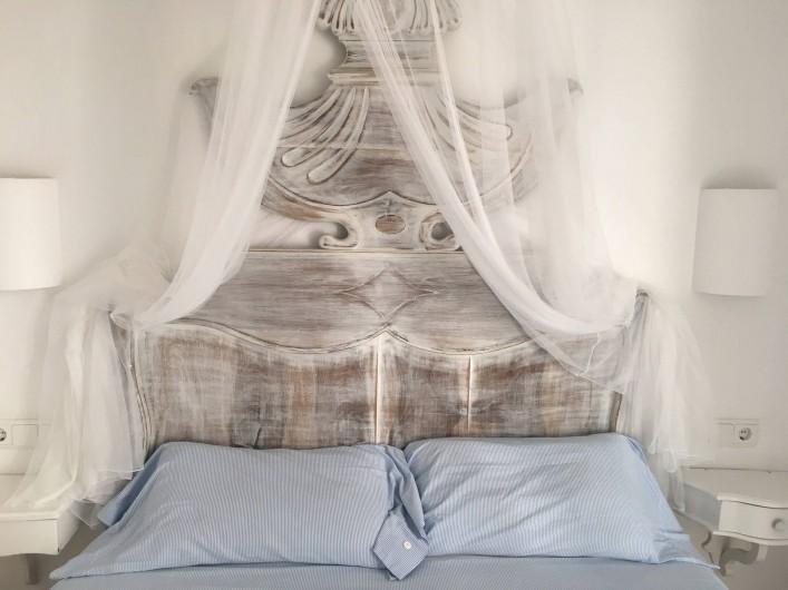 Location de vacances - Appartement à Cadaqués - chambre 1sejour