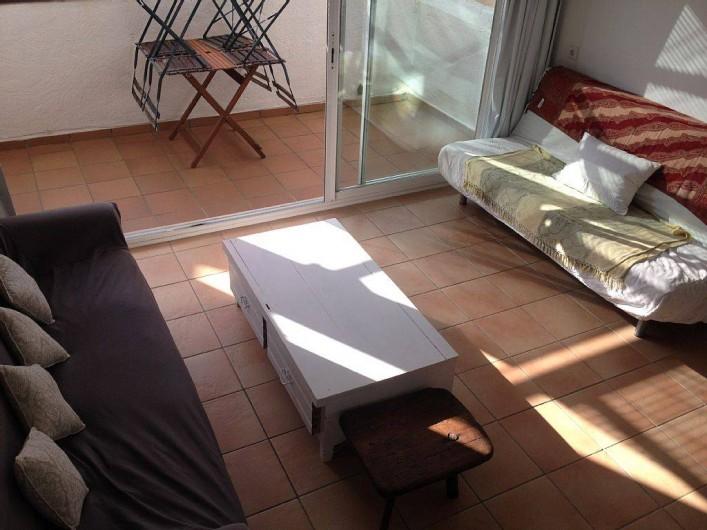 Location de vacances - Appartement à Cadaqués - salon oubert