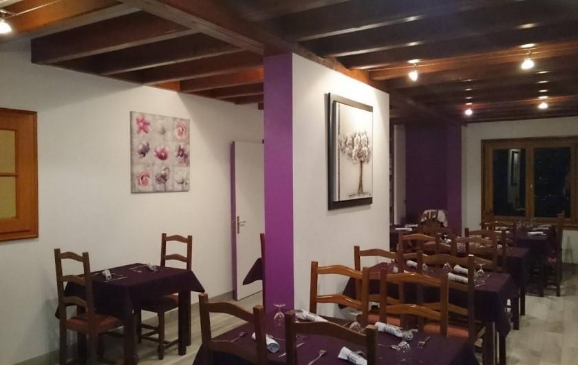 Location de vacances - Hôtel - Auberge à Tendon - Petit coin des amoureux dans la grande salle