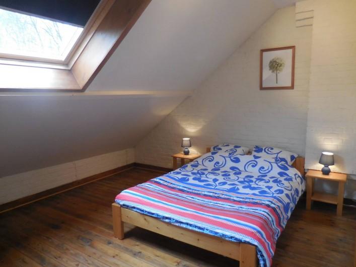 Location de vacances - Gîte à Mettet - Chambre double lit