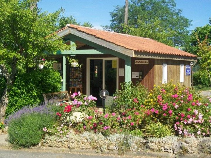Location de vacances - Bungalow - Mobilhome à Villefranche-du-Périgord - Chalet d'accueil
