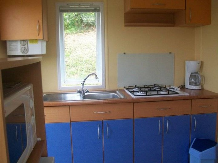 Location de vacances - Bungalow - Mobilhome à Villefranche-du-Périgord - Coin cuisine d'un Mobile Home ASTRIA 2p