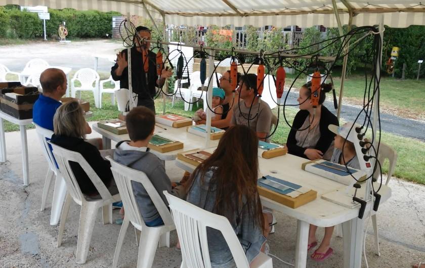 Location de vacances - Bungalow - Mobilhome à Villefranche-du-Périgord - Stage de gravure sur verre au camping la Bastide