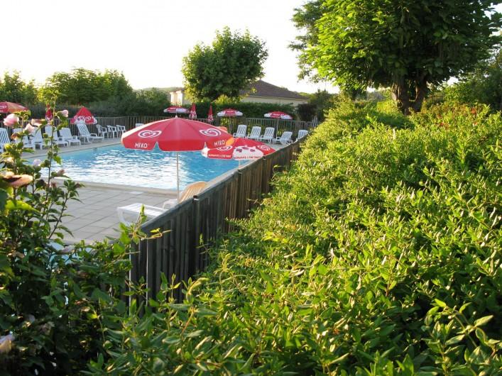 Location de vacances - Bungalow - Mobilhome à Villefranche-du-Périgord - Piscine (chauffée si nécessaire) de mi mai à fin septembre