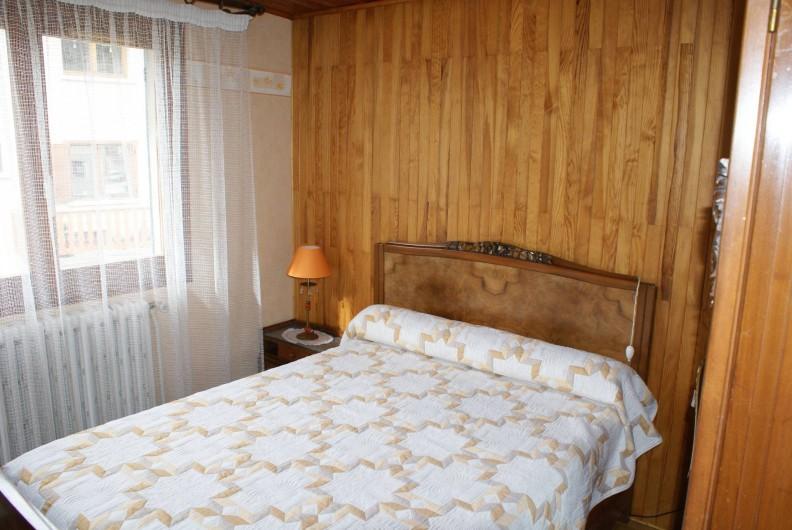 Location de vacances - Appartement à Lanslevillard - Deuxième chambre : lit pour deux personnes