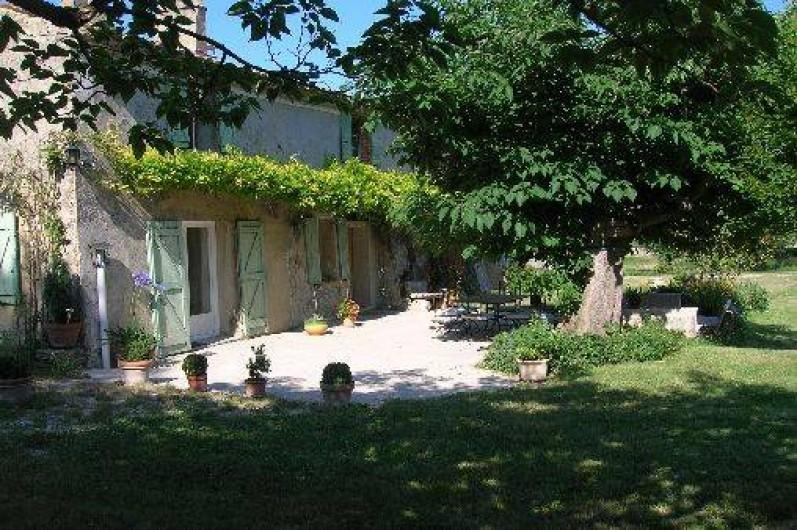 Location de vacances - Mas à Malaucène - Terrasse façade sud