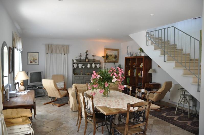 Location de vacances - Maison - Villa à Vaison-la-Romaine - Côté salle à manger