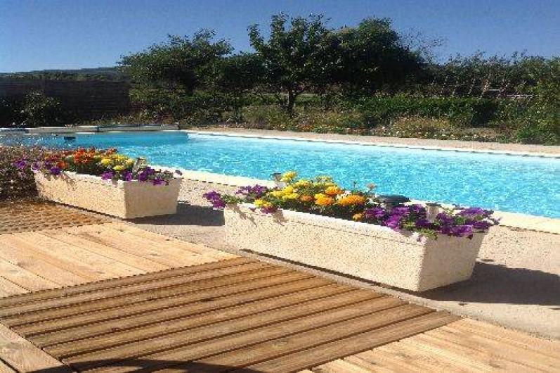 Location de vacances - Gîte à Trausse - Terrasse côté piscine