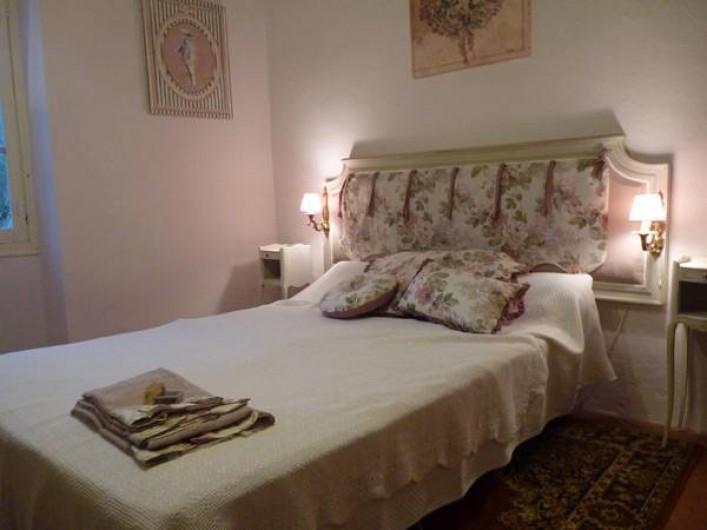 """Location de vacances - Chambre d'hôtes à Brue-Auriac - Suite """"La Florentine"""""""